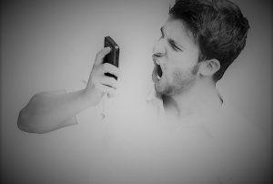 telefono-arrabbiato-800x656-800x540